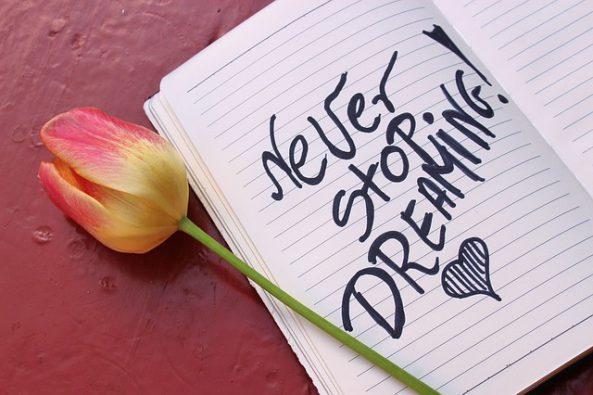 dreams-3405257_640